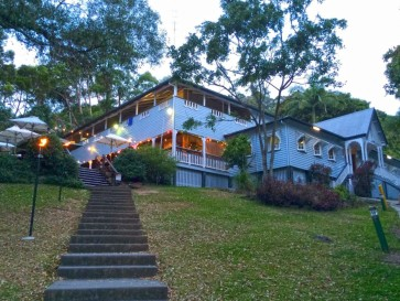Halse-Lodge-YHA-Backpackers-933x700